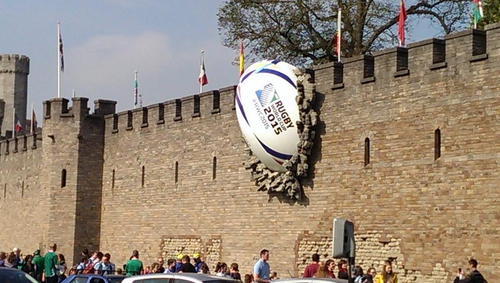 castle-rugby-ball-1.jpg