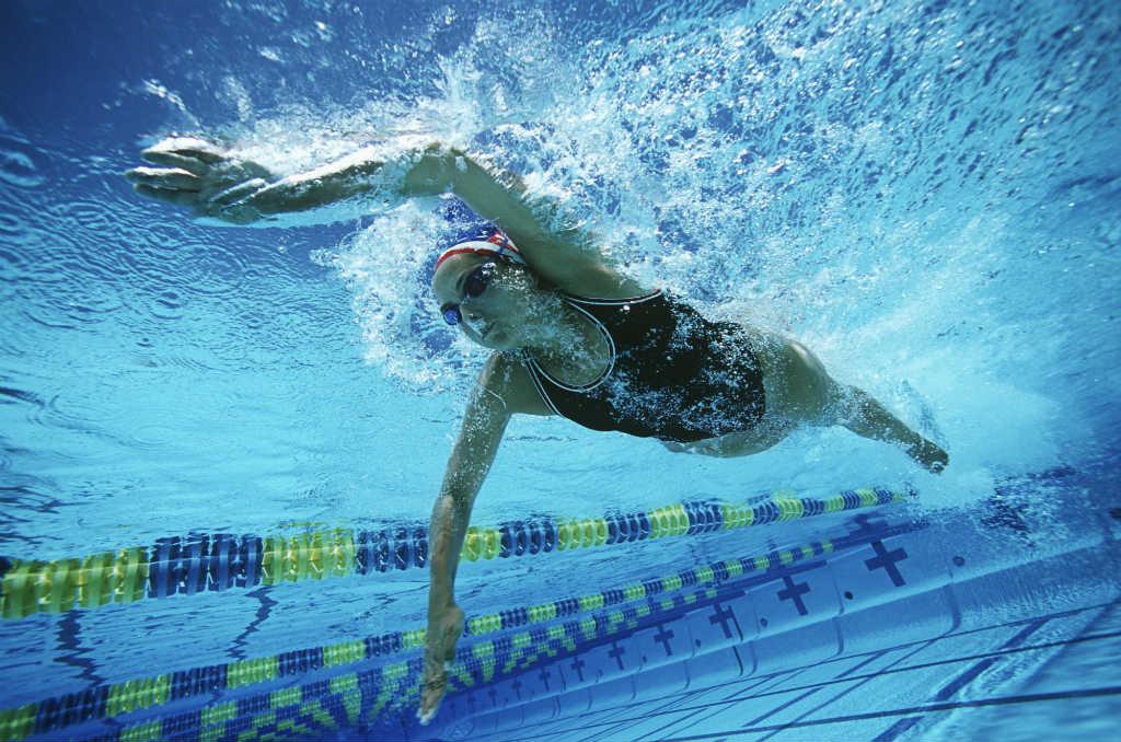 corsi-nuoto-adulti-piscina-tennis.jpg