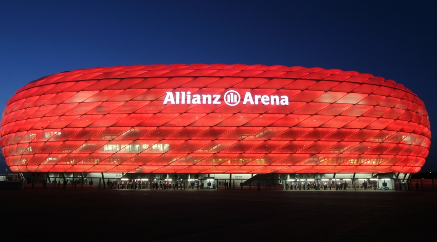 allianz-arena-red_850.jpg